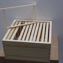 bijenhof simplex broedkamer met ramen bedraad