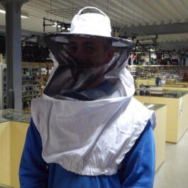 bijenhof  witte tullen sluier met hoed